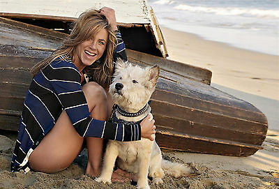Jennifer Anniston 8X10 cute with dog 3