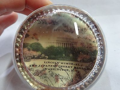 Vintage BUBBLE Convex GLASS Souvenir PAPERWEIGHT of The LINCOLN MEMORIAL Mirror