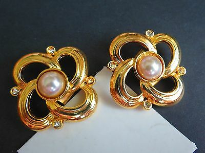 Gold plated rhinestone faux pearl great condition shoe CLIPS