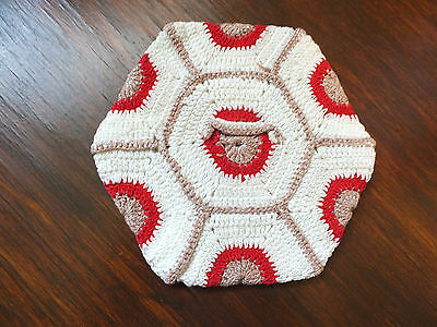 Collectible Crocheted Pot Holder White Red Cocoa NICE