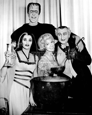 """""""The Munsters"""" Cast From The Cbs Tv Series - 8X10 Publicity Photo (Cc-014)"""