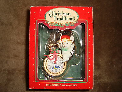 1992 Lustre Fame Ltd Christmas Traditions Collectible Ornament mouse on watch