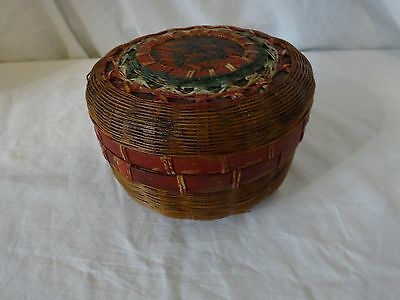 Vtg CHINESE Sewing / Trinket BASKET Wicker / BAMBOO Red & GReen PAINTED 4 1/2""