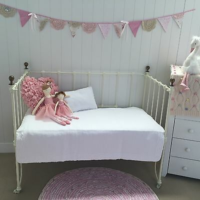 2 pce Shabby Chic White Ruffle Maple Girls Boys Nursery Cotton Cot Quilt Unisex