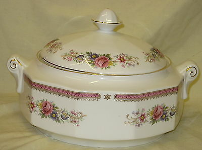 Unused Queens / Rosina Richmond English Bone China Covered Vegetable Tureen