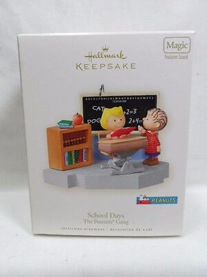 2008 Hallmark Keepsake Ornament School Days The Peanuts Gang Magic Sound