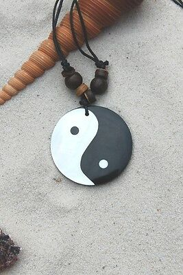 5 NEW LARGE CHINESE YIN YANG BLACK WHITE NECKLACES WITH SHELL AND BEADS / n308gy