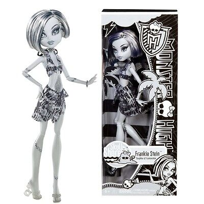 Monster High Muñeca Frankie Stein Skull Shoores