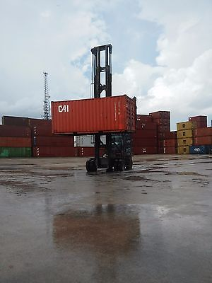 20ft shipping container storage container conex box in Oakland California