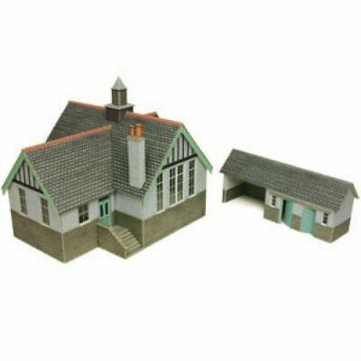 Metcalfe Village School OO Gauge Card Kit PO253