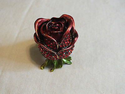 Beautiful Gold Tone Cocktail Ring Stretch ROSE Filled w/Rhinestones Enamel WOW