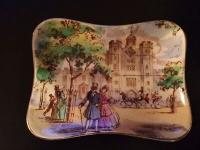 ROYAL WINTON Old London To St James Palace Hand Painted Ashtray ENGLAND