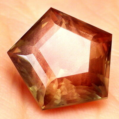 GREEN GOLD SCHILLER OREGON SUNSTONE 9.49Ct FLAWLESS-PERFECT SCHILLER-VIDEO