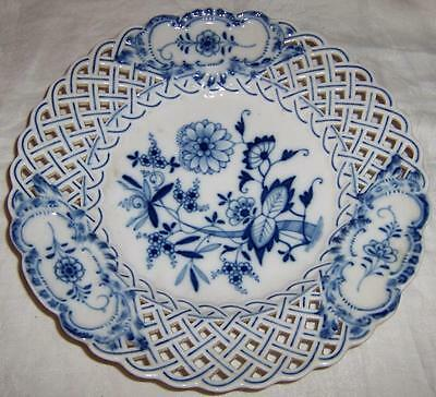 Late 19th-20th Century Meissen BLUE ONION Reticulated Plate (Cross Swords Mark)