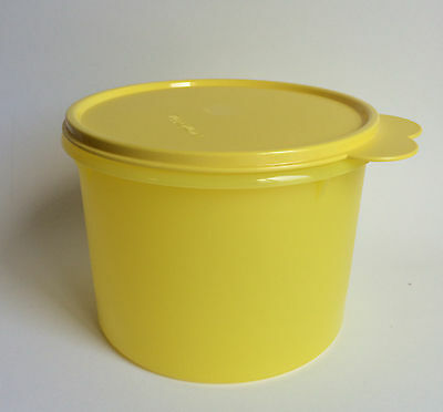 Tupperware 7 Cup Stacking Cansiter New Yellow