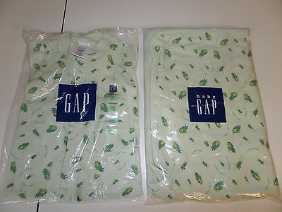 New Lot Baby Gap 3-6 mos Green Frogs Romper Receiving Blancket Swaddle Cotton E5