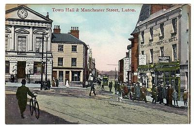 Early   LUTON  Town Hall  and Manchester Street  Bedford  Postcard