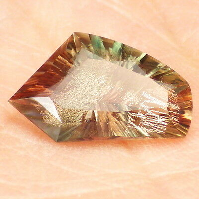 GREEN PINK SCHILLER OREGON SUNSTONE 3.29Ct FLAWLESS-VERY RARE COLORS-VIDEO!