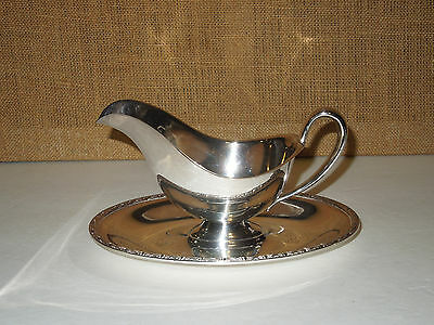 Antique WM Rogers Harvest Silver Plate Gravy Boat Attached Drip Tray HTF Pattern