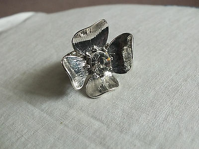 Beautiful Silver Tone Cocktail Ring Stretch Clear Rhinestone Curled Petals NICE