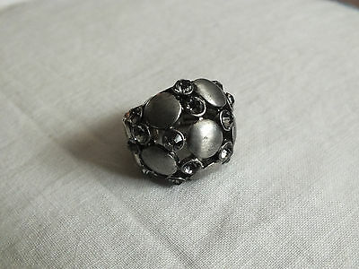 Beautiful Silver Pewter Tone Cocktail Ring Stretch Deep Blue Rhinestones NICE