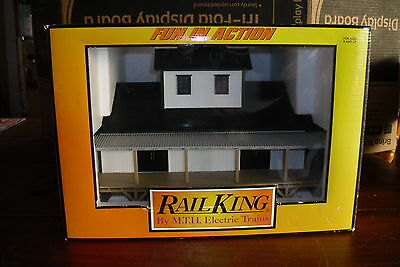 Rail King Trains Buildings 30-90047 Lighted Dry Goods Transfer Warehouse O Scale