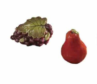 Collectable Novelty Salt and Pepper Set FRUIT GRAPES AND PEAR Kitchen Table New