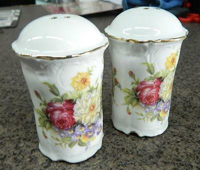 Collectable Novelty Salt and Pepper Shakers Set MIXED ROSES Elegant FREEPOST NEW