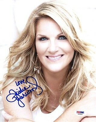 TRISHA YEARWOOD SIGNED AUTOGRAPHED 8x10 PHOTO COUNTRY MUSIC STAR PSA/DNA