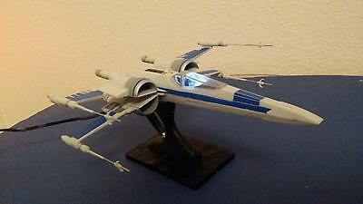 Star Wars Resistance X-Wing Fighter Modell von Revell inkl. LED Beleuchtungsset