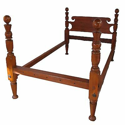18Th Century Federal Period Cannonball Four Poster Bed In The Sheraton Manner