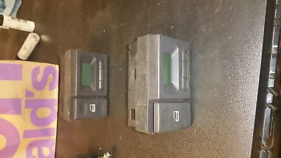 Land Rover Discovery master door lock and clock