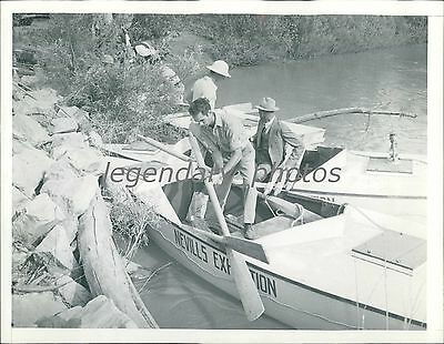 1938 Scientist Inspects Oar Before Expedition Original News Service Photo