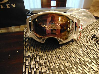 white pair of oakley skii googles brand new never used