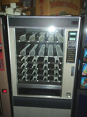 used snack machine all ck and working ready to make money L@@K stock #2SA