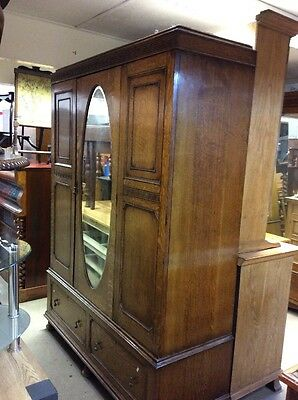 Triple Oak Wardrobe With 2 Drawers And Mirror Ti2136