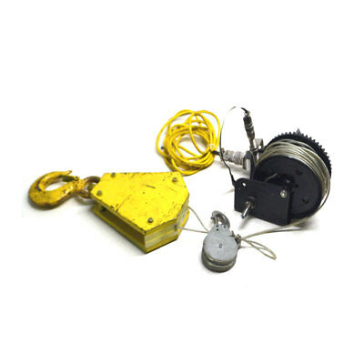 Shelby 5352 Two-Way Zinc Trailer Hand Winch with Brake 1,500 Lbs Capacity