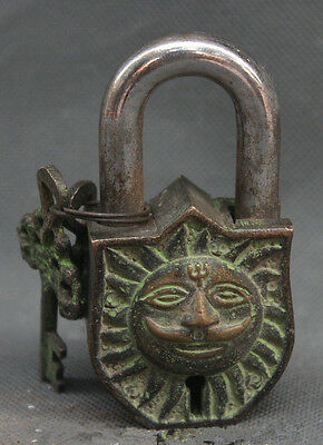 Old China Chinese Buddhism Bronze Sun Face Word Folk Home Protect Lock Key Set