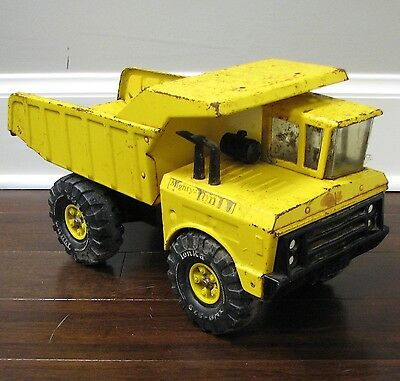 Vintage 1974 Mighty-Tonka Dump Truck #3900 XMB-975 Sandbox Toy Metal Steel