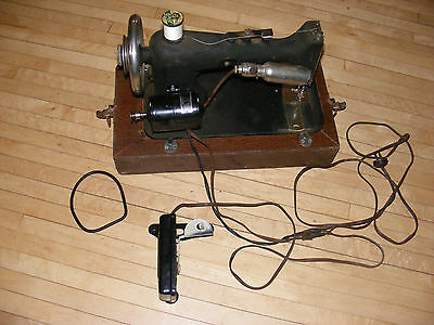 Vintage Antique~~ Davis **** Electric Cast Iron Sewing Machine