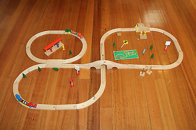 Vintage Wooden Train Set - 65 pieces -  GVC
