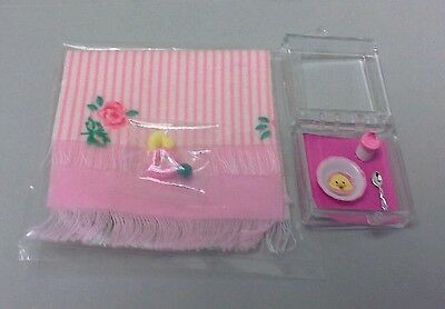 Dollhouse Miniatures 2 pink baby blanket set toys baby dish /& sippy cup 1:12