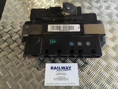 Bmw 1 3 Series E87 E81 E82 E90 E91 E92 Battery Power Distribution Unit 6936649 B