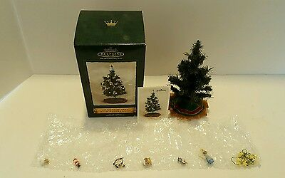 Hallmark Christmas Tree With Decorations Set of 8 Pieces 2002