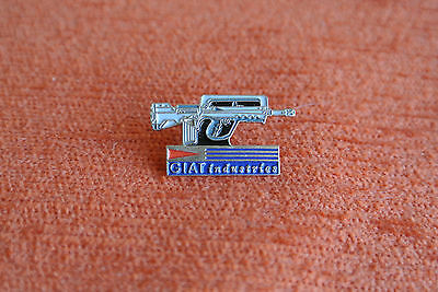 13147 Pin's Pins Armee Army Military Giat Industrie Fusil Famas
