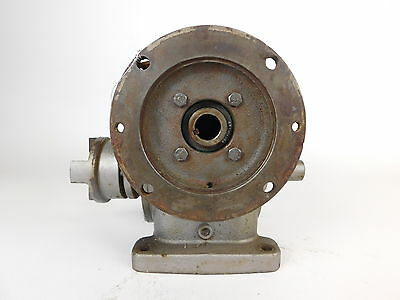 Foot Mounted 90° Right Angle Gear Reducer