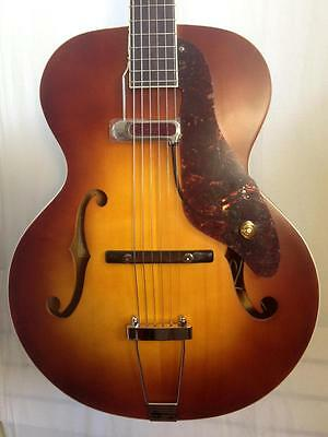 Gretsch G9555 New Yorker Archtop with Pickup Semi-Gloss Vintage Sunburst Guitar
