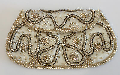 Vintage Ladies Champagne beaded purse - Pretty Design - Japan - 1960's