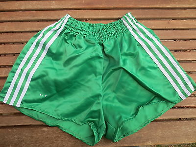 VINTAGE Short ADIDAS nylon polyamide vert shinny brillant 85 VENTEX made France