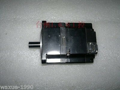 1pcs Used Yaskawa servo motor SGMPS-02ACA2C tested